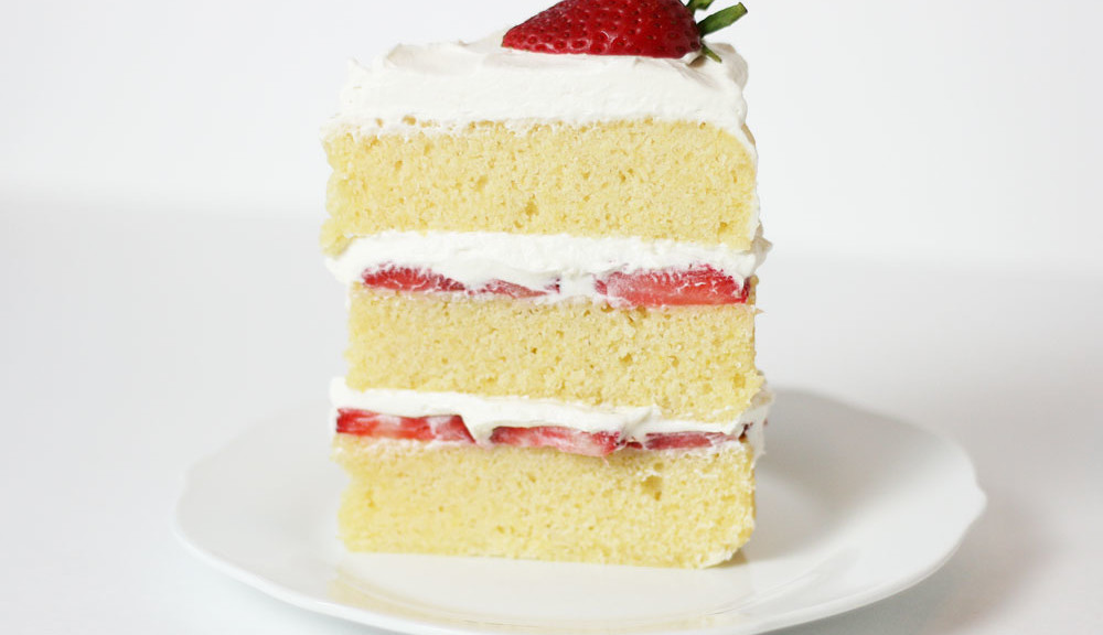 Vanilla Sponge Cake Strawberry Filling