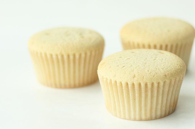 a-cupcake-trio-web