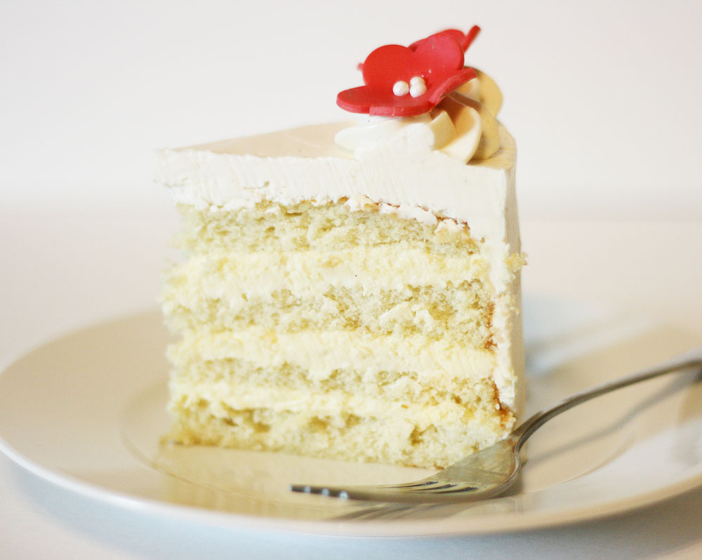 White Velvet Cake with Cheesecake Filling and Silky Marshmallow ...