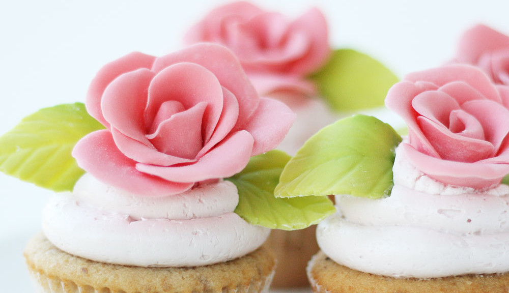 Almond Rose Cupcakes with Strawberry Mascarpone Buttercream - Cake Paper Party
